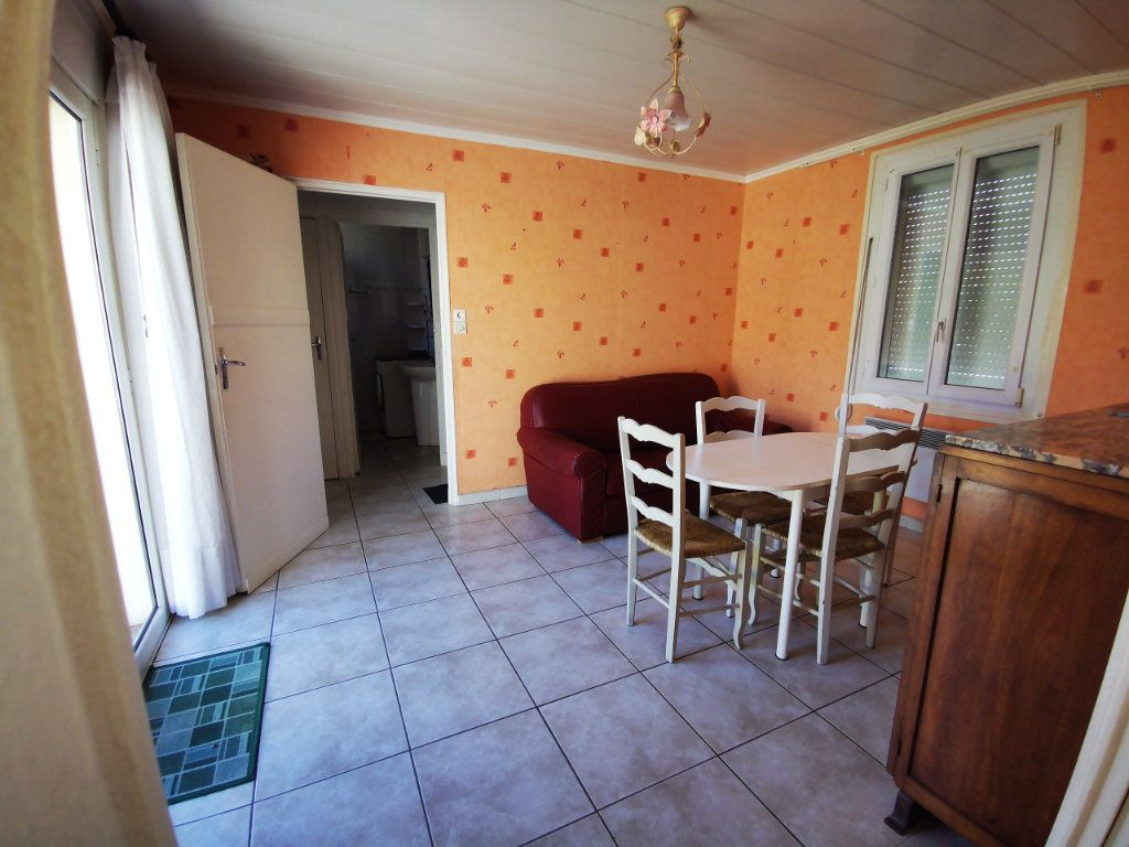 Appartement à louer 2 34.75m2 à Sanary-sur-Mer vignette-2