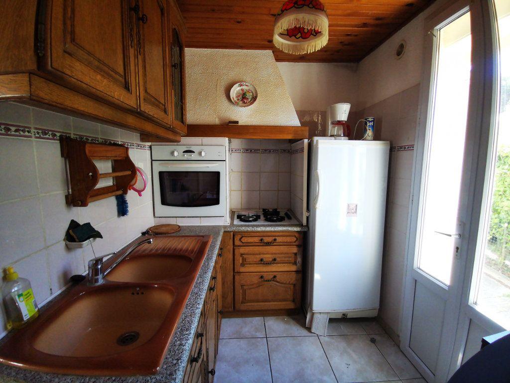 Appartement à louer 2 34.75m2 à Sanary-sur-Mer vignette-3