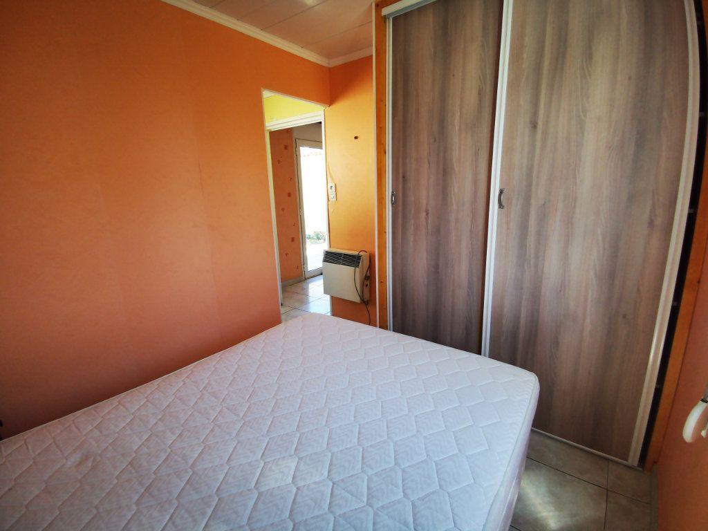 Appartement à louer 2 34.75m2 à Sanary-sur-Mer vignette-5