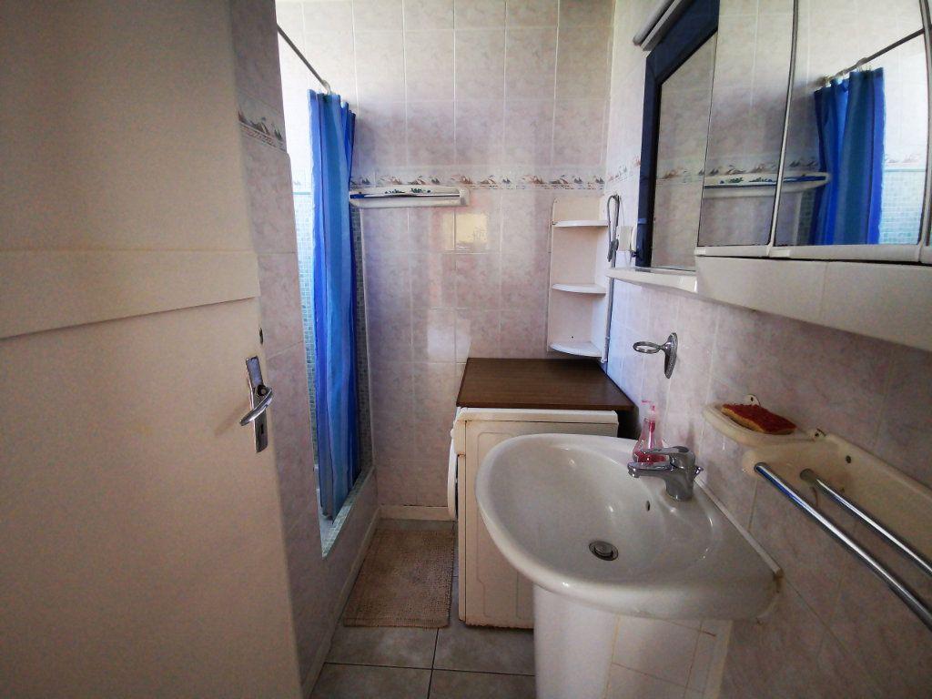 Appartement à louer 2 34.75m2 à Sanary-sur-Mer vignette-6