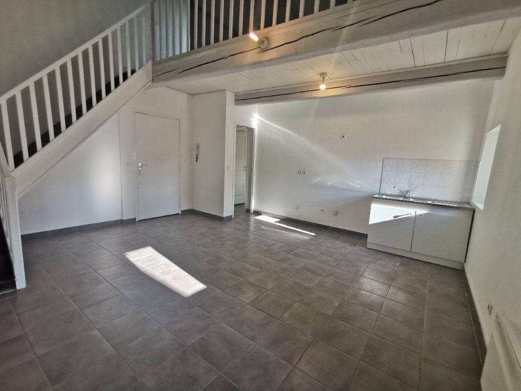 Appartement à vendre 2 67.27m2 à La Seyne-sur-Mer vignette-1