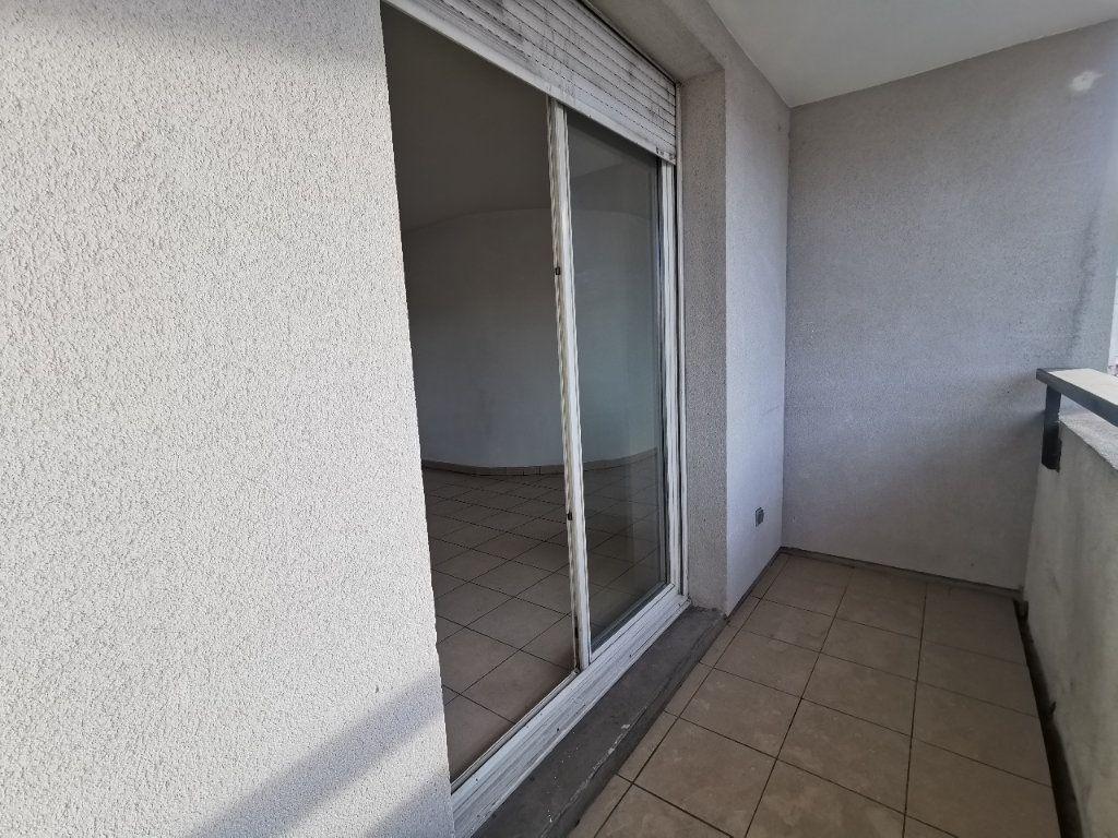 Appartement à louer 3 56.67m2 à La Seyne-sur-Mer vignette-6