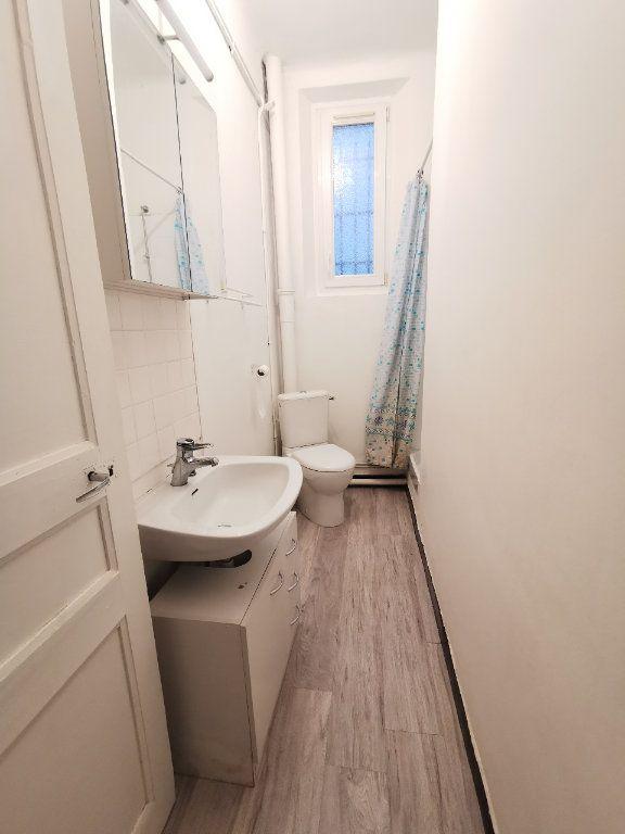 Appartement à louer 2 36.94m2 à La Seyne-sur-Mer vignette-4