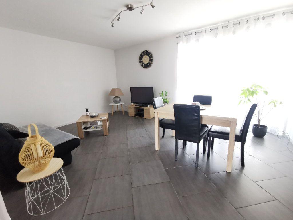 Appartement à vendre 2 56.97m2 à La Seyne-sur-Mer vignette-1