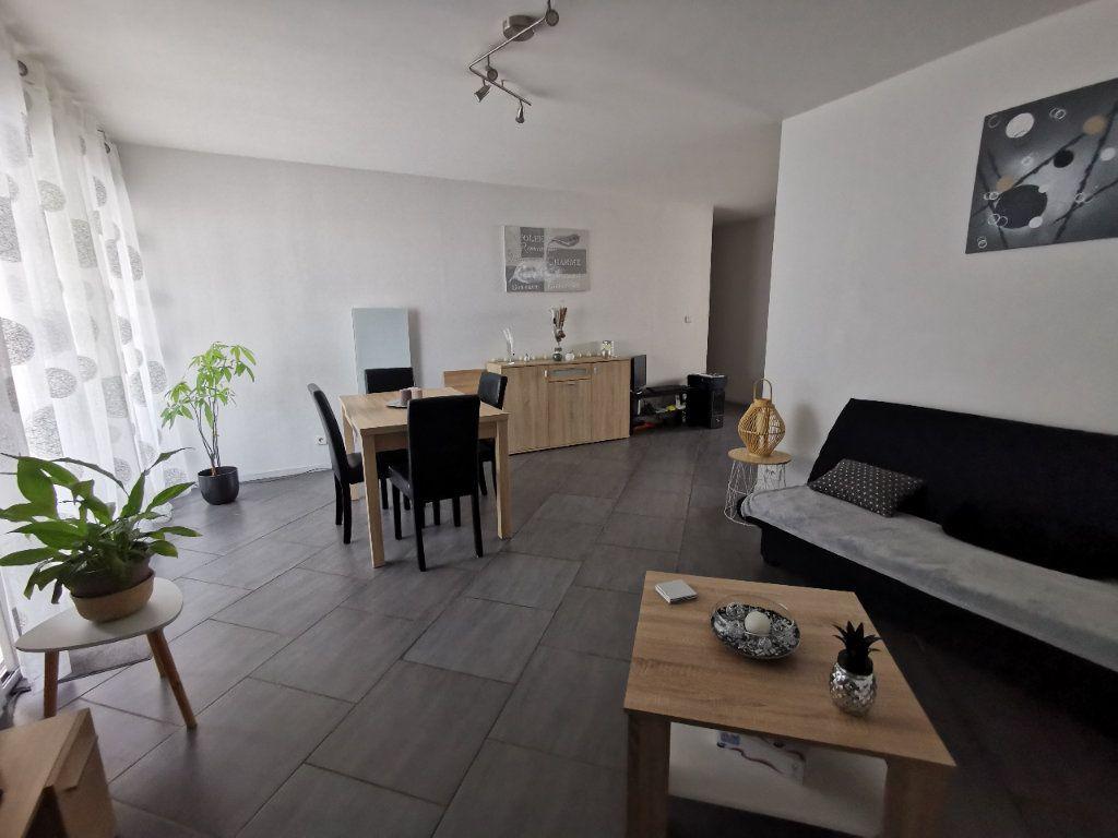Appartement à vendre 2 56.97m2 à La Seyne-sur-Mer vignette-2