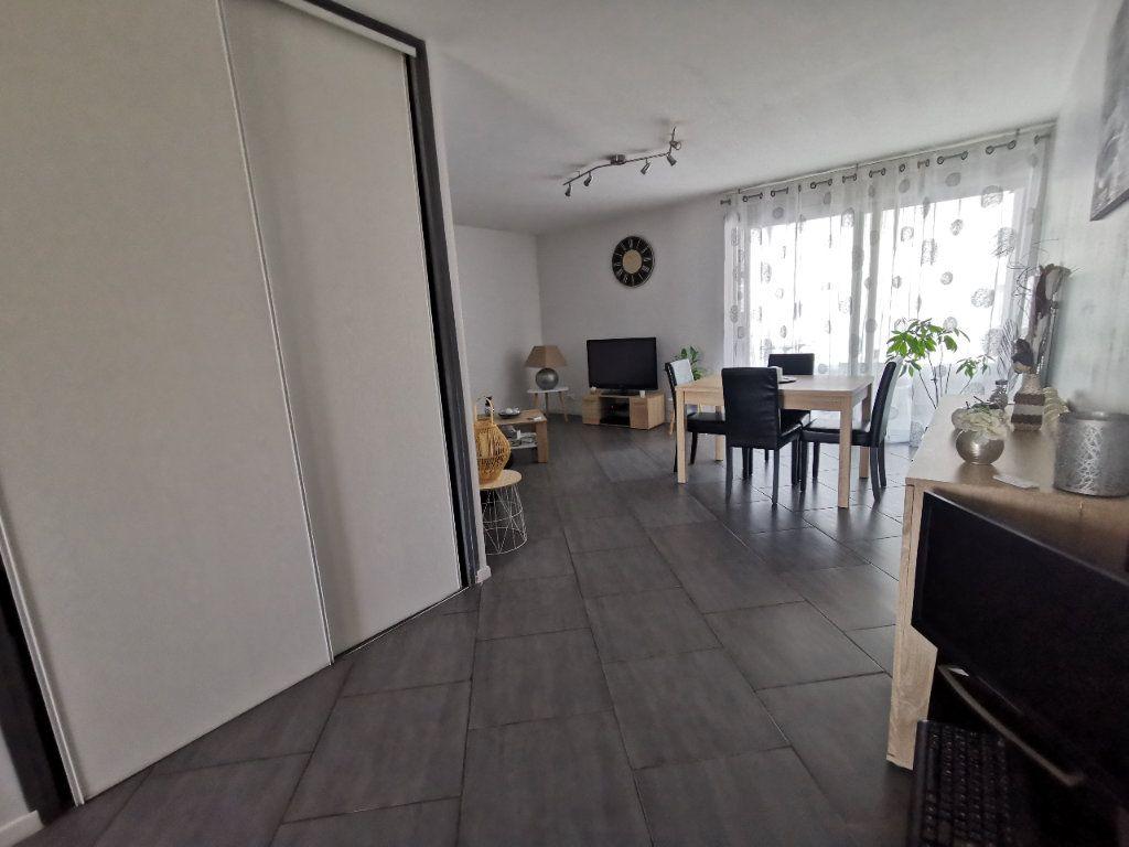 Appartement à vendre 2 56.97m2 à La Seyne-sur-Mer vignette-3