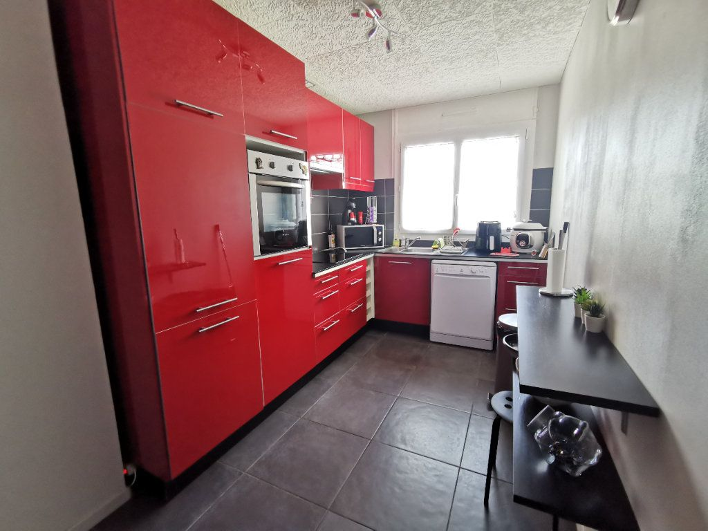 Appartement à vendre 2 56.97m2 à La Seyne-sur-Mer vignette-4