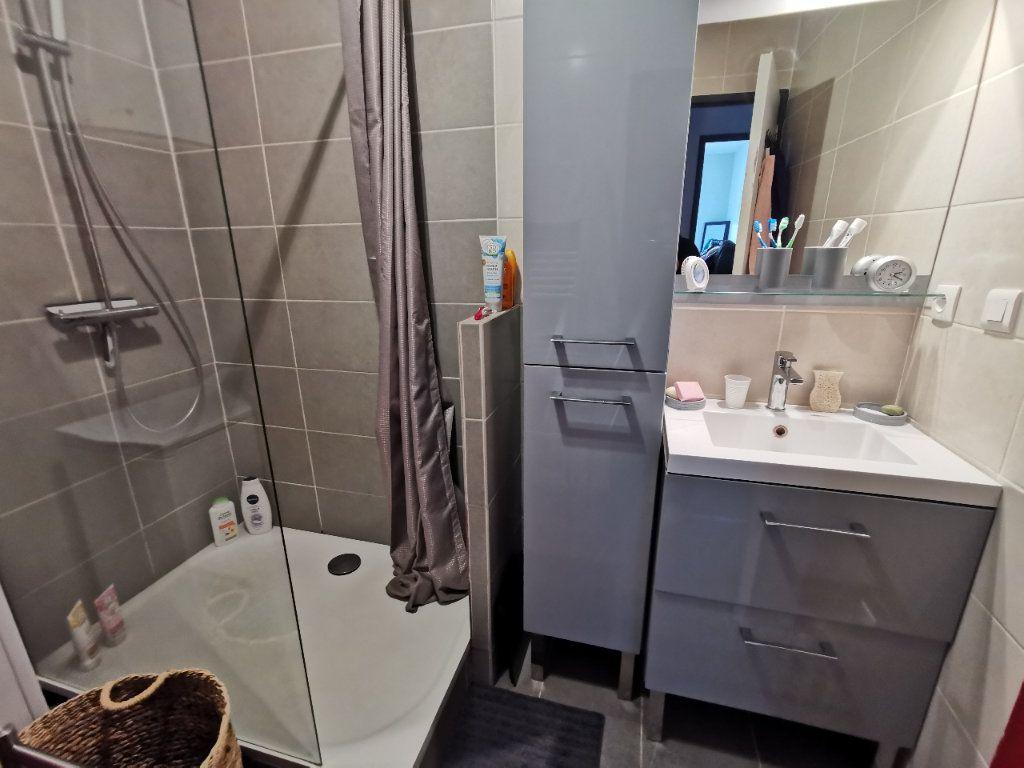 Appartement à vendre 2 56.97m2 à La Seyne-sur-Mer vignette-5
