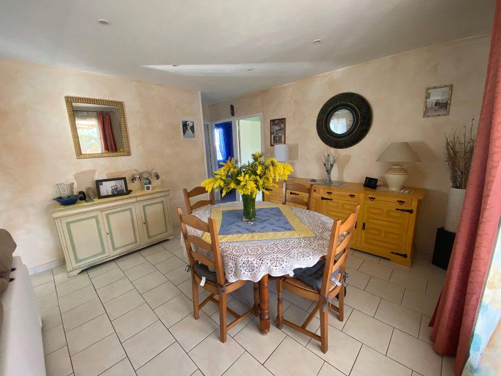 Maison à vendre 4 120m2 à Gonfaron vignette-4