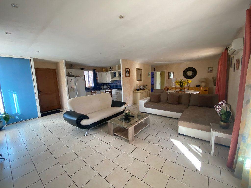 Maison à vendre 4 120m2 à Gonfaron vignette-5