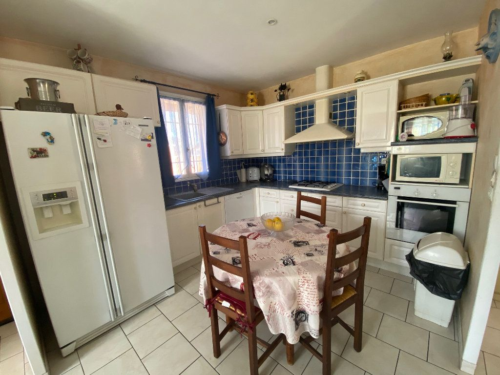 Maison à vendre 4 120m2 à Gonfaron vignette-7