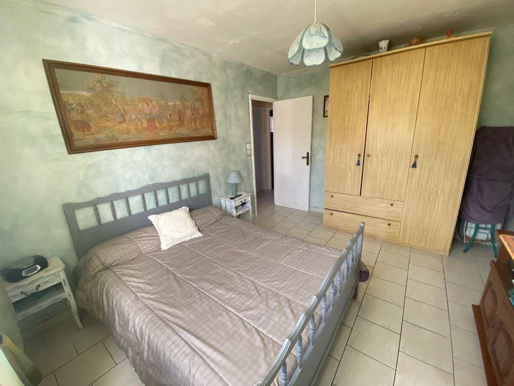 Maison à vendre 4 120m2 à Gonfaron vignette-12