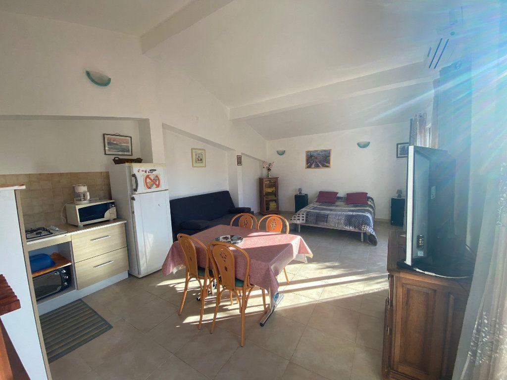 Maison à vendre 4 120m2 à Gonfaron vignette-16