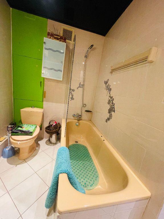 Appartement à vendre 1 25.95m2 à La Seyne-sur-Mer vignette-5