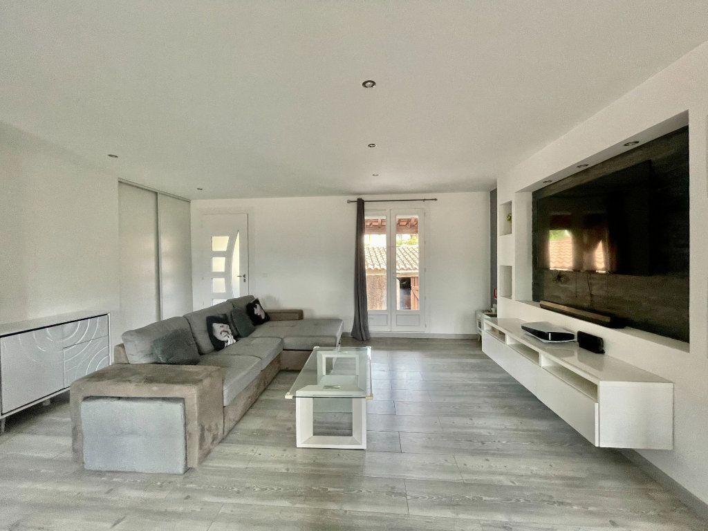 Appartement à vendre 3 71.21m2 à La Valette-du-Var vignette-2
