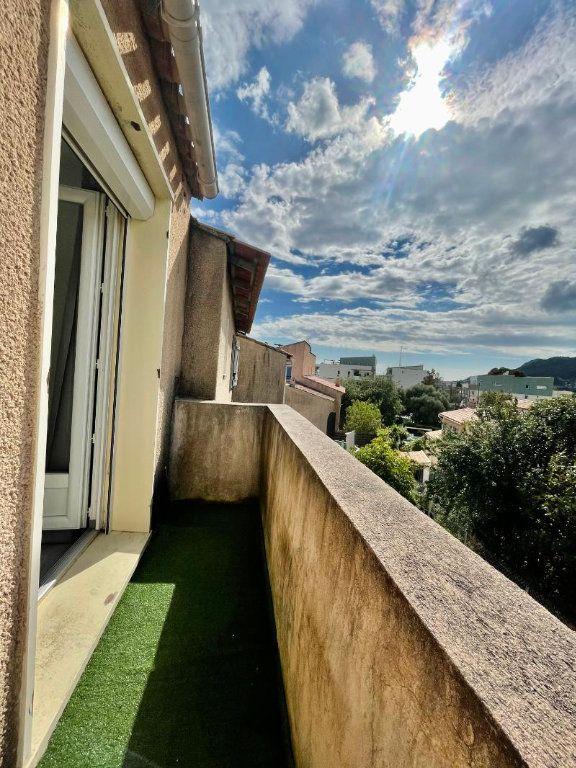 Appartement à vendre 3 71.21m2 à La Valette-du-Var vignette-4