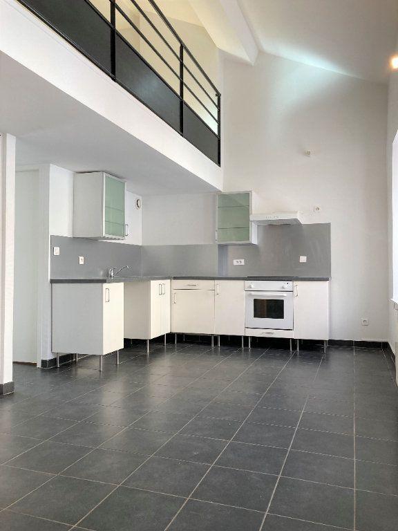 Appartement à louer 2 51.55m2 à Lyon 3 vignette-3