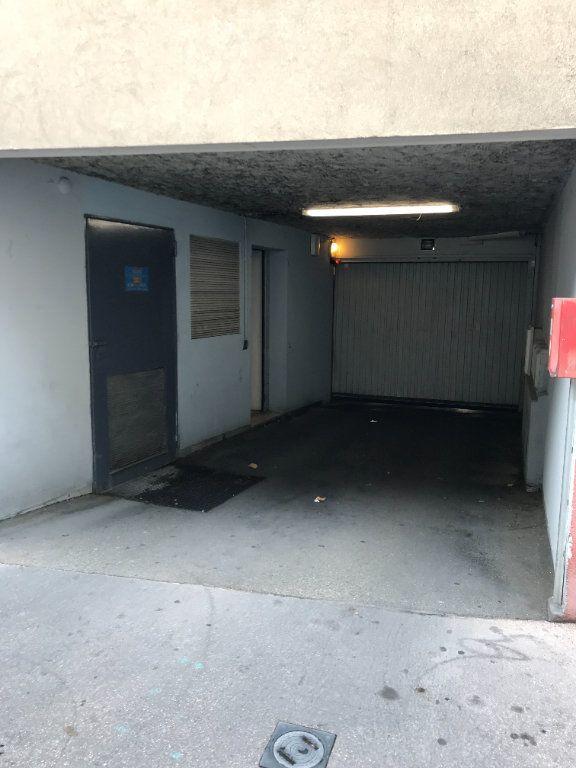 Stationnement à louer 0 16.64m2 à Lyon 4 vignette-3