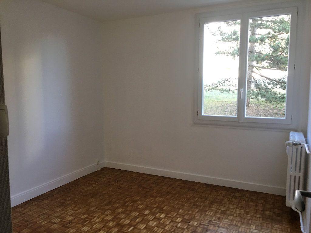 Appartement à louer 3 69.91m2 à Caluire-et-Cuire vignette-2