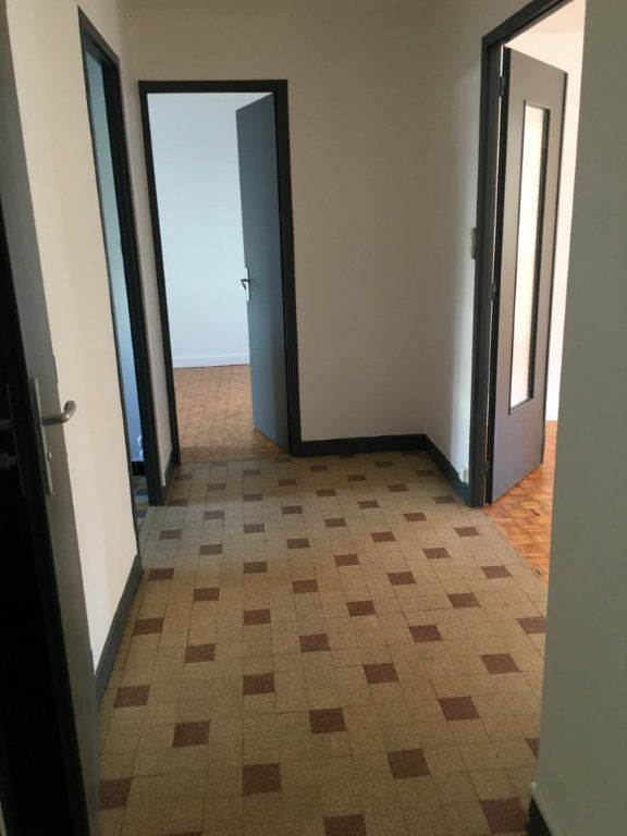 Appartement à louer 3 69.91m2 à Caluire-et-Cuire vignette-5