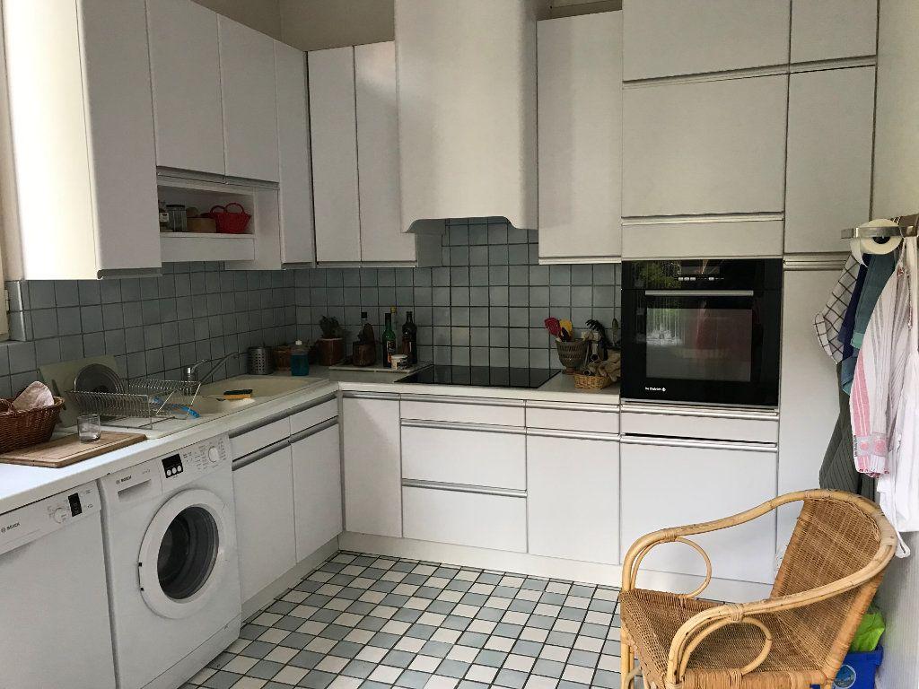 Appartement à louer 2 81.92m2 à Lyon 4 vignette-6