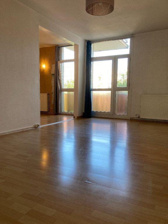 Appartement à louer 4 80.38m2 à Lyon 9 vignette-1