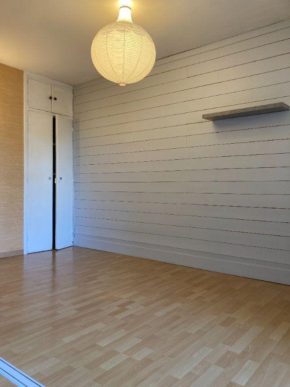 Appartement à louer 4 80.38m2 à Lyon 9 vignette-5