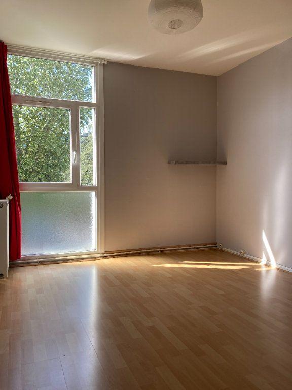 Appartement à louer 4 80.38m2 à Lyon 9 vignette-6