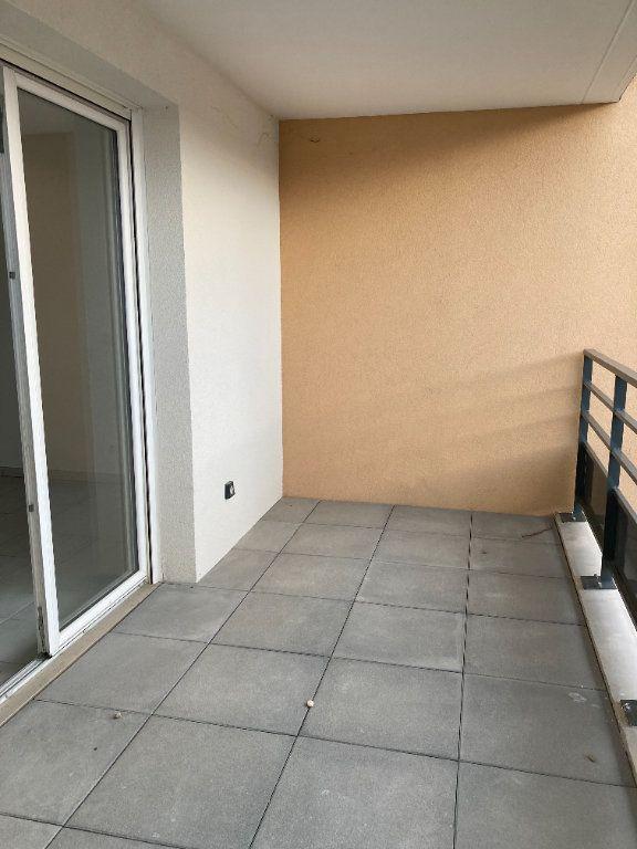 Appartement à louer 4 90.27m2 à Rillieux-la-Pape vignette-3