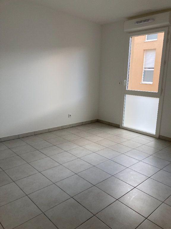 Appartement à louer 4 90.27m2 à Rillieux-la-Pape vignette-5