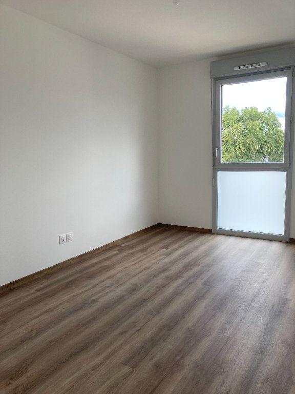 Appartement à louer 3 68.37m2 à Rillieux-la-Pape vignette-4