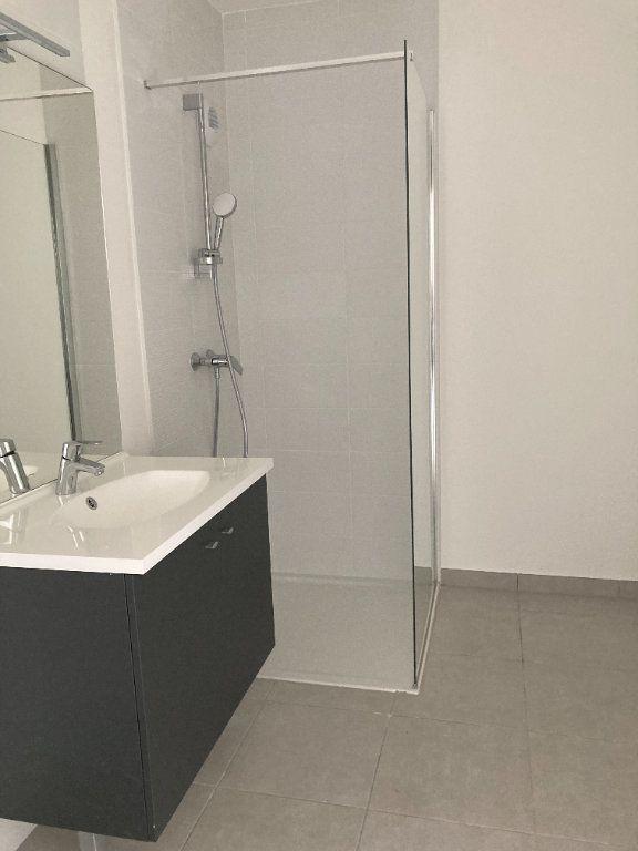 Appartement à louer 3 68.37m2 à Rillieux-la-Pape vignette-5