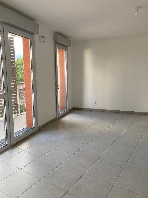 Appartement à louer 3 69.58m2 à Rillieux-la-Pape vignette-2