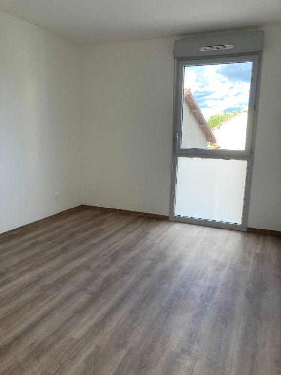 Appartement à louer 3 61.93m2 à Rillieux-la-Pape vignette-4