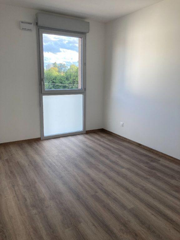 Appartement à louer 3 61.93m2 à Rillieux-la-Pape vignette-6