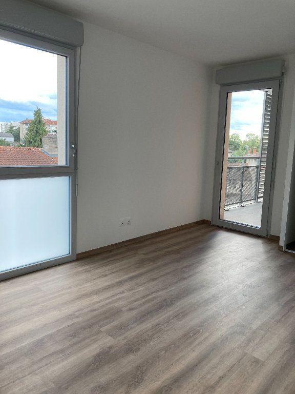 Appartement à louer 3 68.94m2 à Rillieux-la-Pape vignette-4