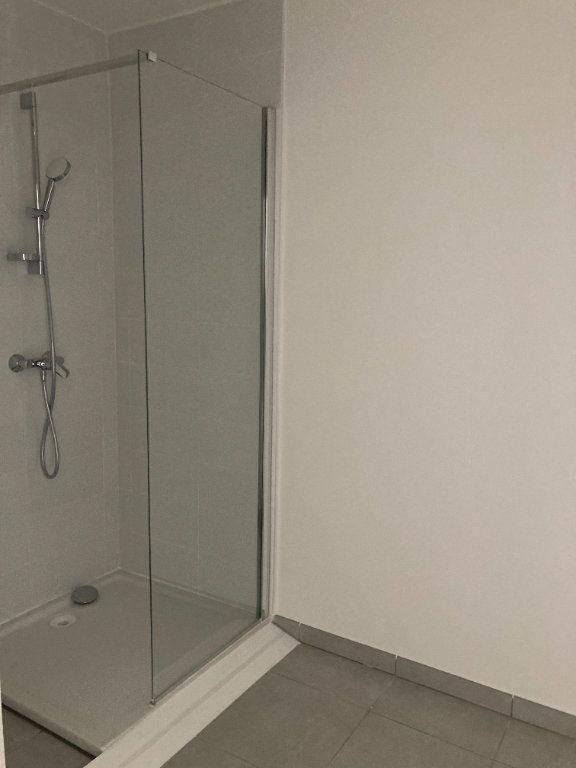 Appartement à louer 3 68.94m2 à Rillieux-la-Pape vignette-5
