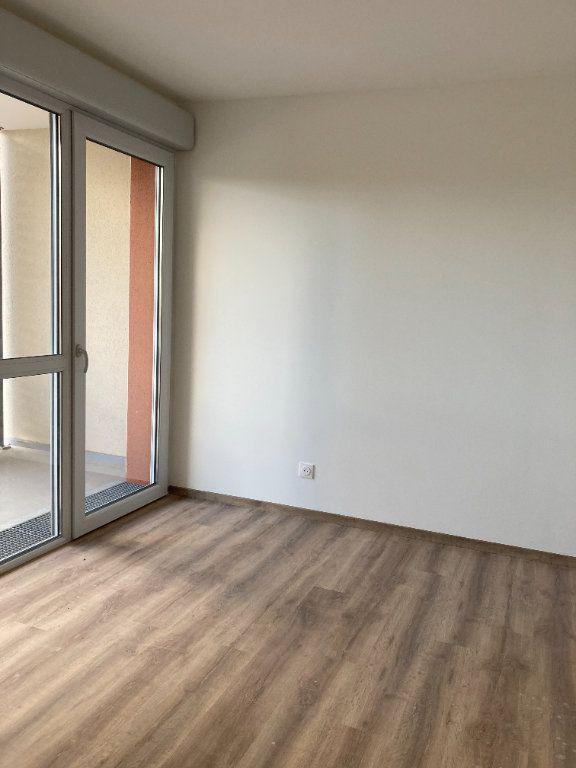 Appartement à louer 3 68.94m2 à Rillieux-la-Pape vignette-6