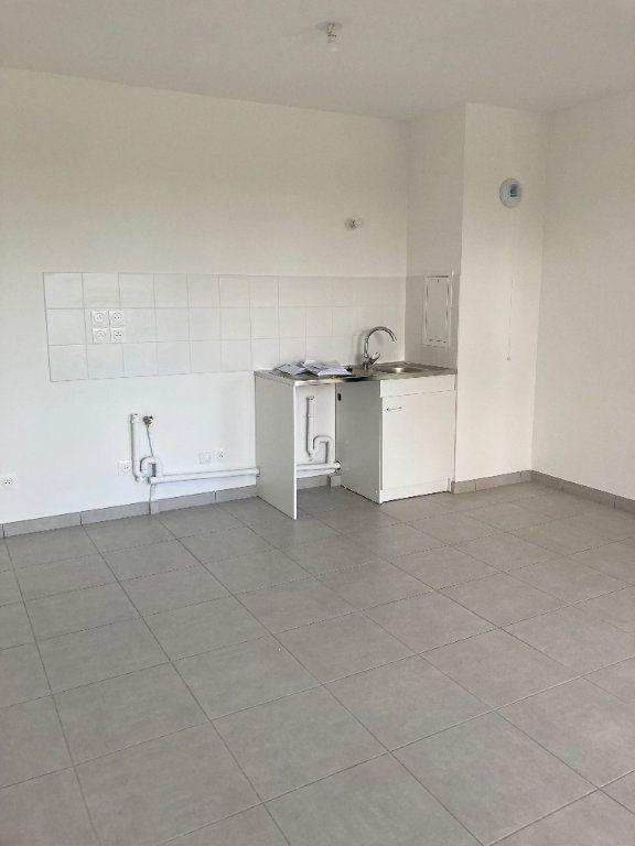 Appartement à louer 3 58.63m2 à Rillieux-la-Pape vignette-3