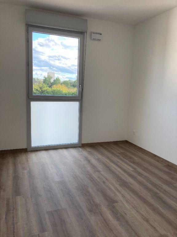 Appartement à louer 3 58.63m2 à Rillieux-la-Pape vignette-4