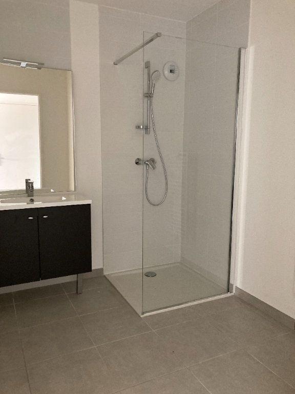 Appartement à louer 3 58.63m2 à Rillieux-la-Pape vignette-6
