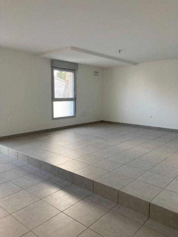 Appartement à louer 2 63.44m2 à Rillieux-la-Pape vignette-2