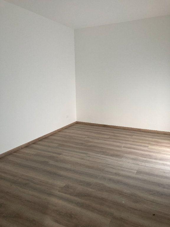 Appartement à louer 2 63.44m2 à Rillieux-la-Pape vignette-3