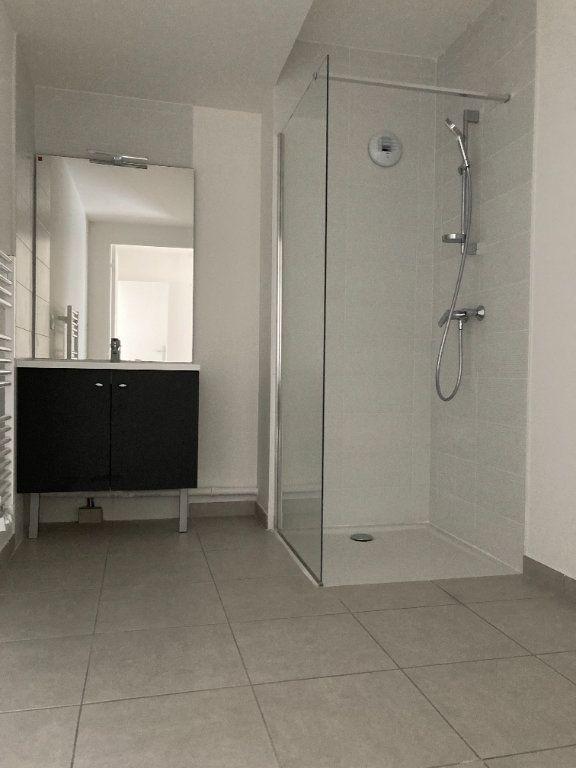 Appartement à louer 2 63.44m2 à Rillieux-la-Pape vignette-4