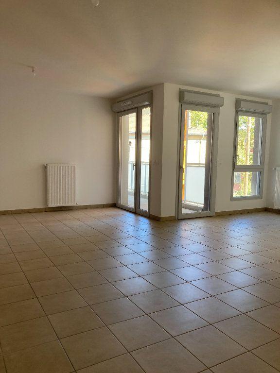 Appartement à louer 4 92.68m2 à Villeurbanne vignette-2