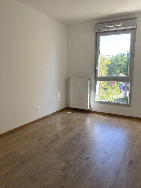 Appartement à louer 4 92.68m2 à Villeurbanne vignette-6