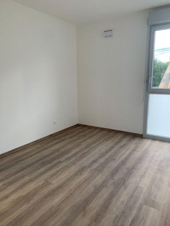 Appartement à louer 4 72.56m2 à Rillieux-la-Pape vignette-5