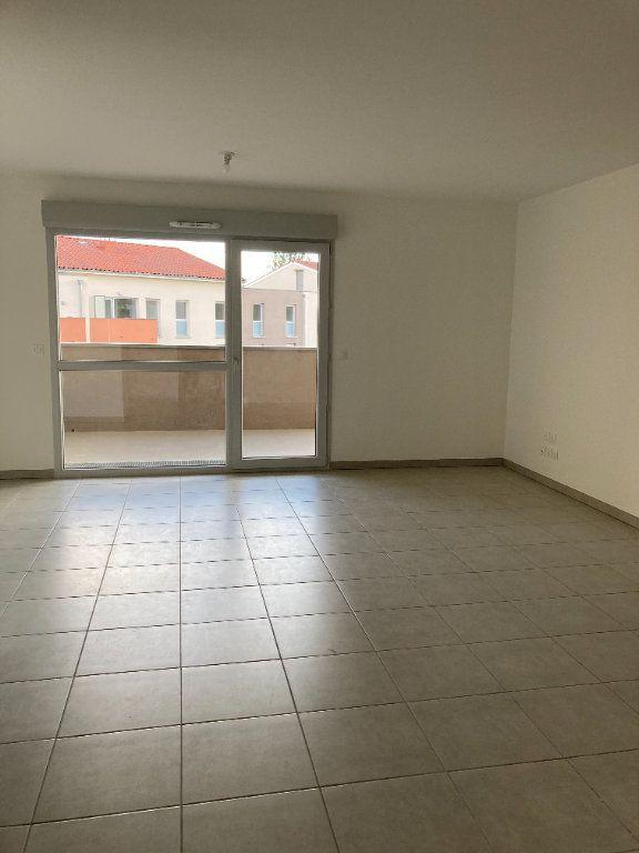 Appartement à louer 4 87.54m2 à Rillieux-la-Pape vignette-2
