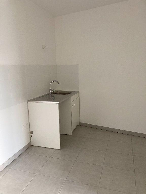 Appartement à louer 4 87.54m2 à Rillieux-la-Pape vignette-4