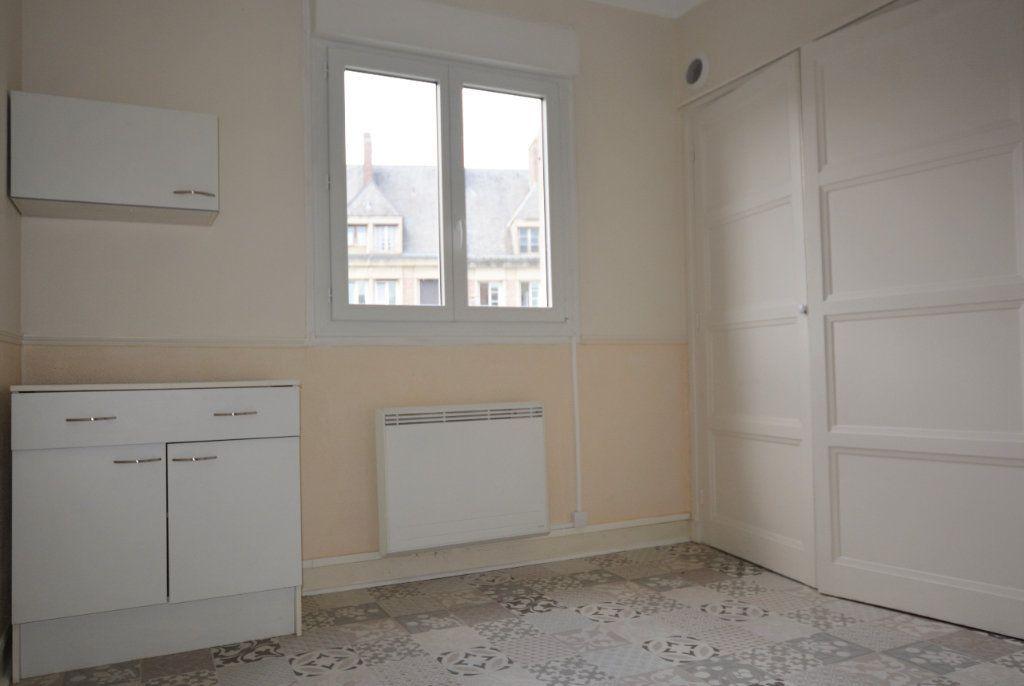Appartement à louer 1 31.7m2 à Abbeville vignette-1